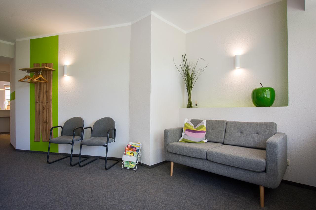 wartezimmer-couch